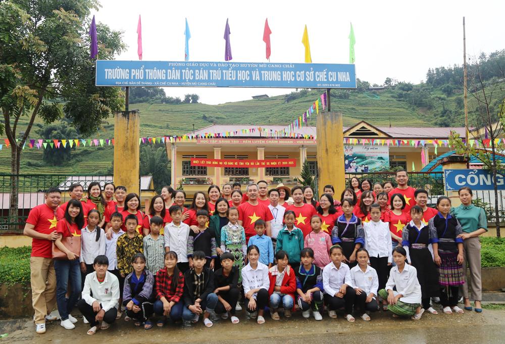 Công đoàn Trường Cán bộ quản lý VHTTDL tổ chức chương trình thiện nguyện tại Mù Cang Chải, tỉnh Yên Bái