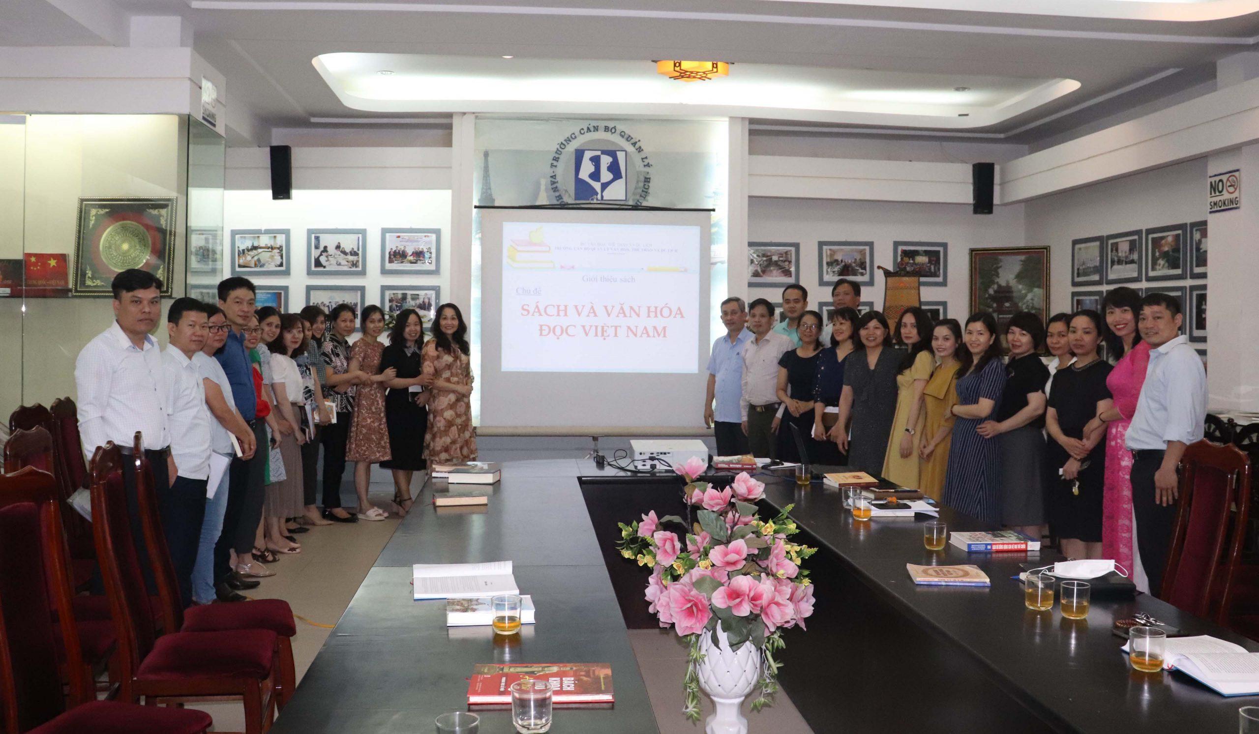 Trường Cán bộ quản lý VHTTDL tổ chức hoạt động giới thiệu sách với chủ đề: Sách và văn hóa đọc Việt Nam